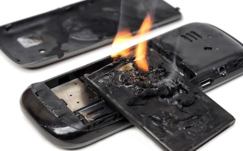 手机爆炸女婴受伤 哪些情况下手机会爆炸 怎样才能防止手机爆炸