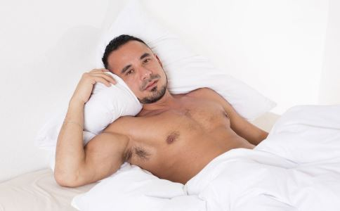 男人经常裸睡可提高性能力