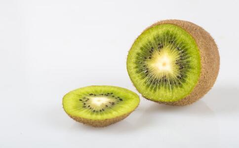 女性吃猕猴桃有哪些好处 吃猕猴桃有哪些作用 哪些人不宜吃猕猴桃