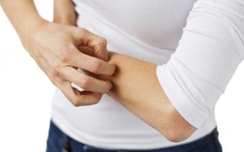 春季如何预防婴幼儿湿疹 预防婴幼儿湿疹的方法 如何预防婴幼儿湿疹