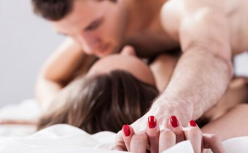 生殖器疱疹早期症状有哪些 生殖器疱疹的表现症状 生殖器疱疹的危害