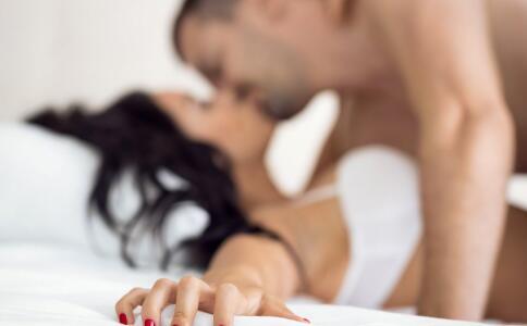 男人患上软下疳有什么症状 男人患上软下疳的症状表现 软下疳的并发症有哪些