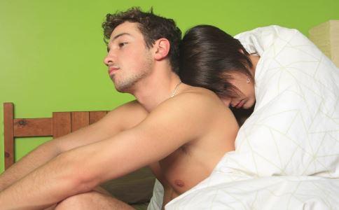女性患软下疳有哪些症状 女性患软下疳要做什么检查 女性患软下疳的治疗方法