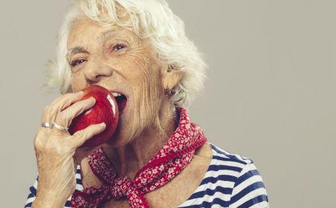 白头发过多是动脉硬化吗 动脉硬化患者饮食上要注意什么 怎么改善动脉硬化的症状