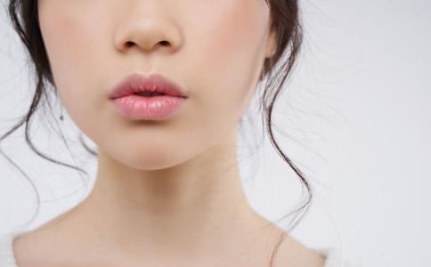 12岁女孩重度唇炎 竟是因为父母吵架
