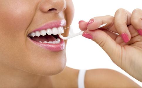 牙线老断牙有问题 如何正确使用牙线