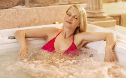 麻辣火锅温泉 泡温泉有哪些好处 泡碳酸盐温泉的好处