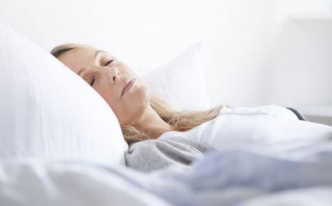 为何晚上总是睡不着 3款食疗方可助眠