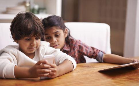 手机 孩子 如何 男孩 父母 教育 沉沦 时候 电子产品 我们 不要