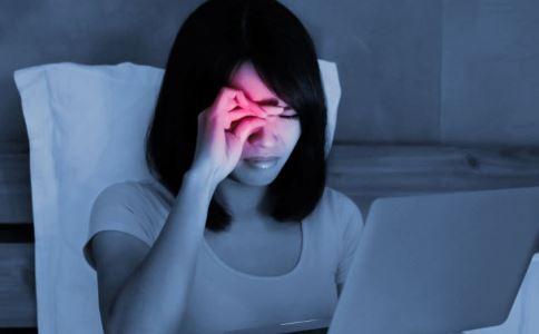 女性经常熬夜对身体有哪些危害 女生熬夜有哪些危害 女人经常熬夜会怎样