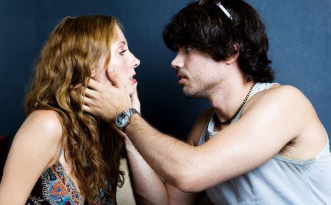 初戀情侶如何相處才能走的更遠 初戀情侶相處技巧 初戀情侶相處要注意什么