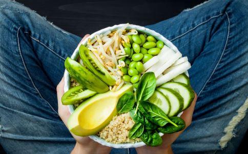 为什么吃的很清淡胆固醇还是很高 胆固醇高的原因 胆固醇高怎么办