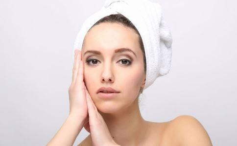 洗头8小时缠成死结 喷了发胶的头发怎么洗 头发发胶怎么洗