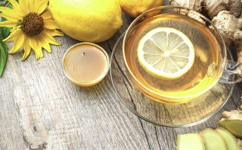 经期可以喝蜂蜜水吗 经期喝蜂蜜水要注意什么