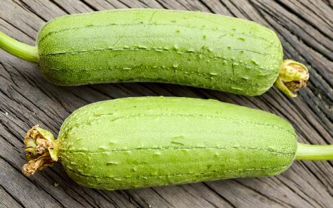 女性吃丝瓜有哪些好处 丝瓜有哪些营养价值 丝瓜的美容方法