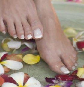 泡脚有什么好处 泡脚加什么好 泡脚要注意什么