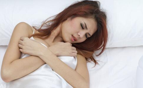 女人睡眠不好的原因 女人睡眠要多吃哪些食物 睡前吃什么可以提升睡眠质量