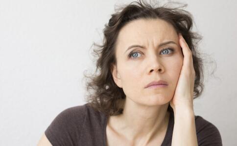 女性更年期有哪些症状 更年期饮食吃什么好 更年期调理方法