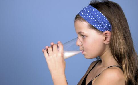 什么人不适合喝羊奶 羊奶为什么最新注册送体验金平台长期喝 喝羊奶要注意哪些