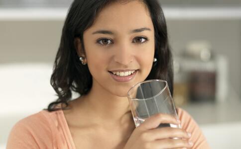 喝水能瘦身吗 喝水瘦身的最佳时间表