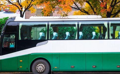公交事故如何逃生 公交事故怎么逃生 发生公交事故怎么急救