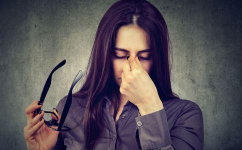 产生黑眼圈的主要原因 3妙招对症祛除