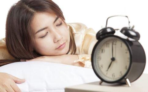 早起的女性患乳腺癌的几率低 女人早期有哪些好处 熬夜容易得哪些病