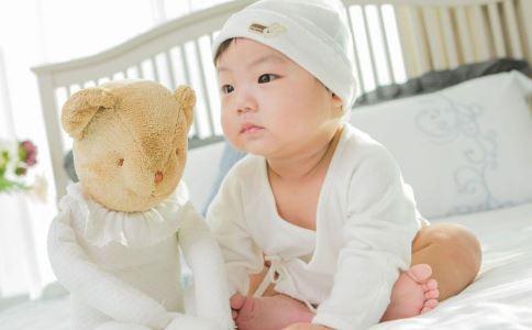 婴儿喜欢尖叫怎么回事 宝宝老是尖叫怎么回事 4个月宝宝尖叫是怎么回事