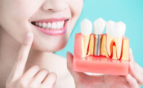 额头竟长了一颗牙 什么是埋伏牙 埋伏牙有什么危害