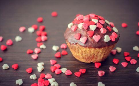 女性吃甜食好吗 女性怎样吃甜食不发胖 吃甜食有哪些禁忌