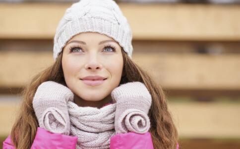 女性体寒有哪些症状 女性体寒有哪些危害 体寒吃哪些食物好