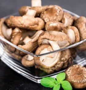 孕期防治高血压食谱 香菇笋丁小炒的做法 香菇笋丁小炒