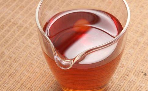 喝红茶有哪些好处和坏处 喝红茶的好处和坏处 喝红茶有什么好处与坏处