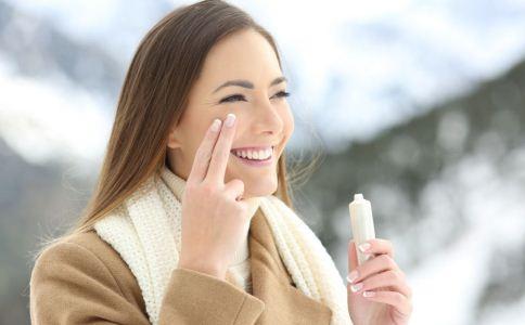 冬季如何护肤 冬季护肤小常识 冬季皮肤保养步骤