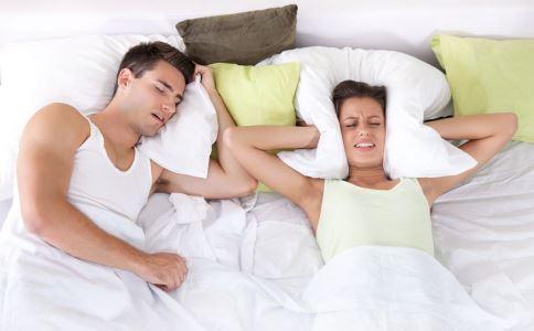 男人比女人更易打鼾吗 打鼾的原因有哪些 打鼾怎么治疗