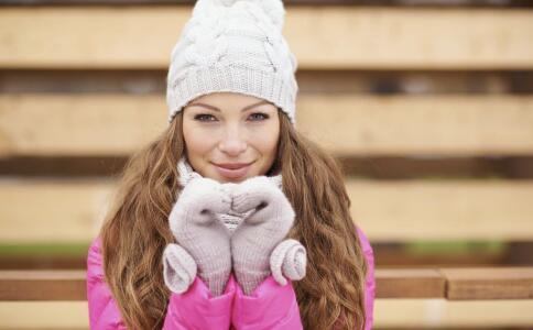 女性冬季如何防寒 女性冬季怕冷怎么办 冬季防寒的方法有哪些