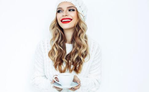 女性怕冷的原因 导致女性怕冷的因素 女性怕冷饮食多吃什么好