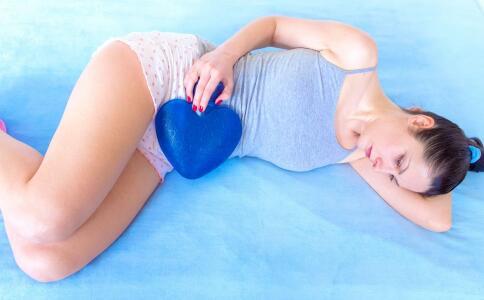 月经期间能不能怀孕 月经期同房有哪些危害 经期保健吃哪些食物好