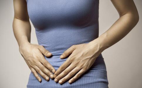 来月经小腹痛怎么办 吃什么可以缓解经期腹痛 生完孩子能改善经期腹痛吗