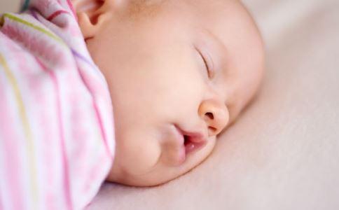 婴儿啼哭 该怎么办 婴儿的哭声 呻吟 尿湿