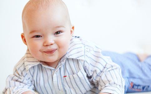 纸尿裤还是拉拉裤好 婴儿纸尿裤什么牌子好 给宝宝用纸尿裤好还是拉拉裤好