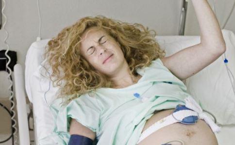 产后乳房胀痛怎么办 产后乳房胀痛  产后乳房胀痛的护理