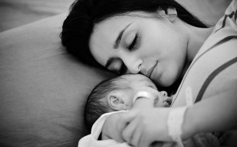 产后抑郁失眠 女人 悲观情绪 护理婴儿 产妇 母婴
