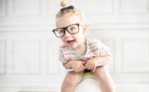 孩子 低头走路 笨 孩子发育 生长 头脑