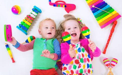 孩子几岁学钢琴最好 孩子多大能学习书法 孩子学书法的最佳年龄
