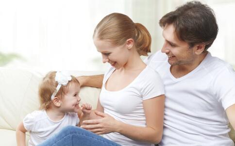 小宝宝穿衣服 给宝宝穿衣注意 冬天宝宝穿衣注意