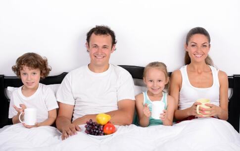 喂养方式影响宝宝牙齿健康