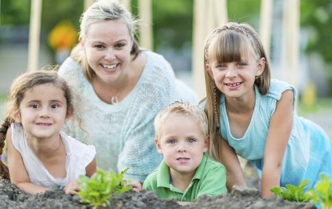 育儿方式影响孩子的性格 影响孩子的性格的因素 什么影响孩子的性格
