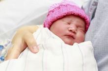 宝宝使用尿布好,还是使用纸尿裤好?