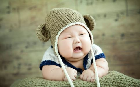 给宝宝剪指甲要注意什么 怎么给宝宝剪指甲 宝宝剪指甲